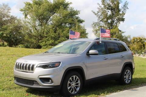 2019 Jeep Cherokee for sale at CHASE MOTOR in Miami FL
