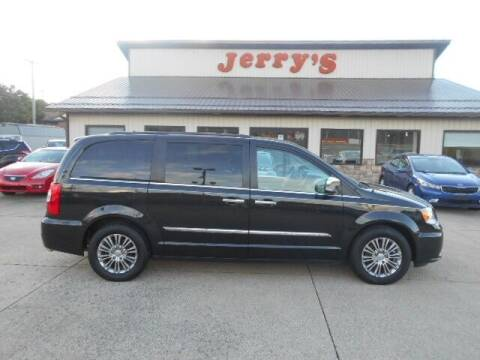 2015 Chrysler Town and Country for sale at Jerry's Auto Mart in Uhrichsville OH