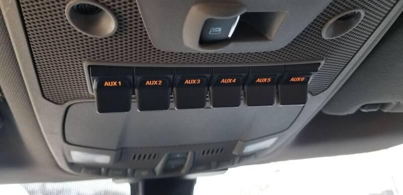 2017 Ford F-350 Super Duty 4x4 Lariat 4dr Crew Cab 8 ft. LB DRW Pickup - Hampshire IL