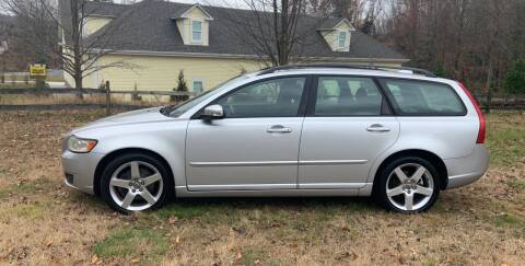 2008 Volvo V50 for sale at ROBERT MOTORCARS in Woodbury CT
