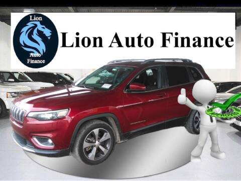 2019 Jeep Cherokee for sale at Lion Auto Finance in Houston TX