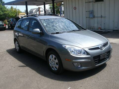 2010 Hyundai Elantra Touring for sale at D & M Auto Sales in Corvallis OR