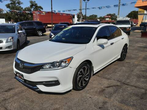 2017 Honda Accord for sale at TOP YIN MOTORS in Mount Prospect IL