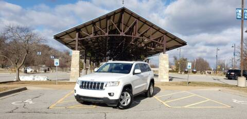 2013 Jeep Grand Cherokee for sale at D&C Motor Company LLC in Merriam KS