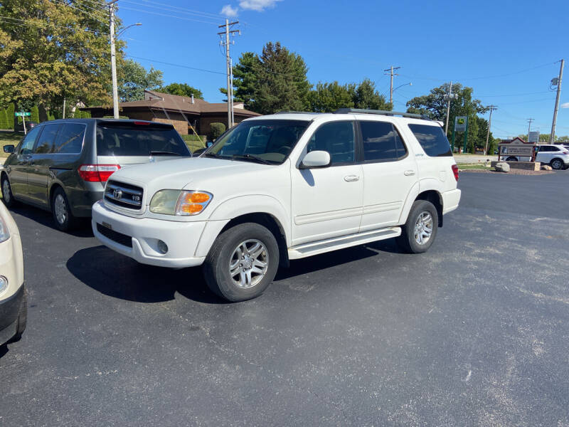 2004 Toyota Sequoia for sale at Hoss Sage City Motors, Inc in Monticello IL