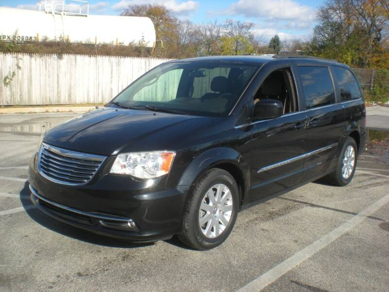 2013 Chrysler Town and Country for sale at 611 CAR CONNECTION in Hatboro PA