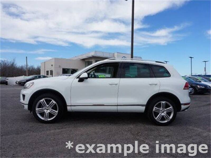 2016 Volkswagen Touareg for sale at Coast to Coast Imports in Fishers IN