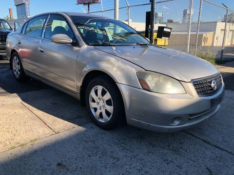 2006 Nissan Altima for sale at GW MOTORS in Newark NJ