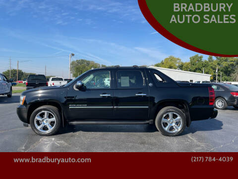 2013 Chevrolet Avalanche for sale at BRADBURY AUTO SALES in Gibson City IL