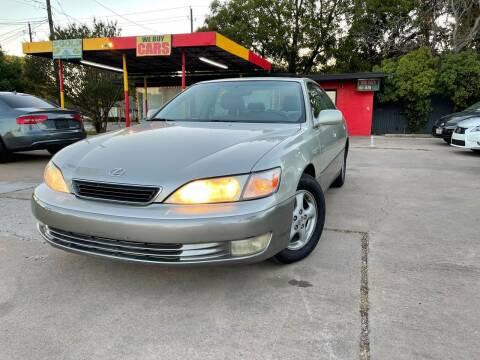 1999 Lexus ES 300 for sale at Cash Car Outlet in Mckinney TX