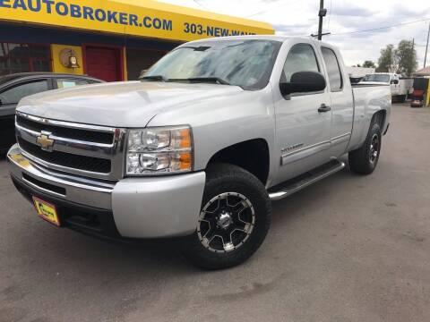 2010 Chevrolet Silverado 1500 for sale at New Wave Auto Brokers & Sales in Denver CO