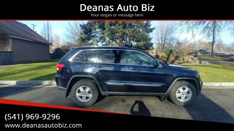 2011 Jeep Grand Cherokee for sale at Deanas Auto Biz in Pendleton OR