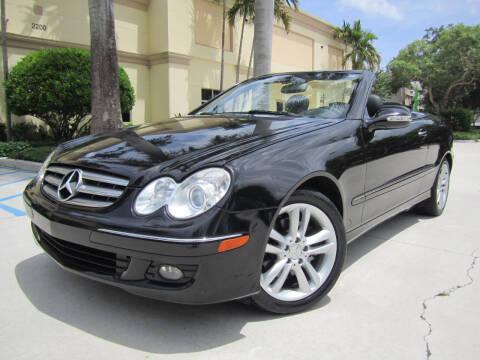 2006 Mercedes-Benz CLK for sale at FLORIDACARSTOGO in West Palm Beach FL