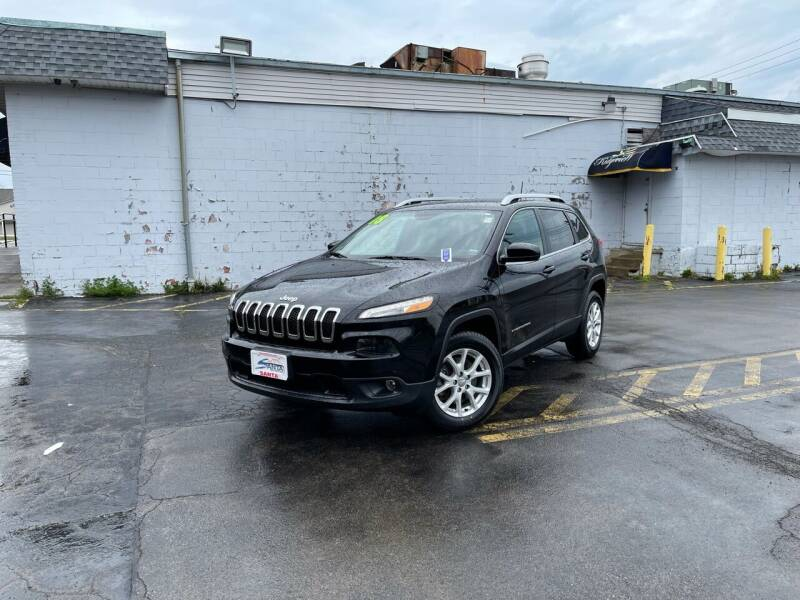 2018 Jeep Cherokee for sale at Santa Motors Inc in Rochester NY
