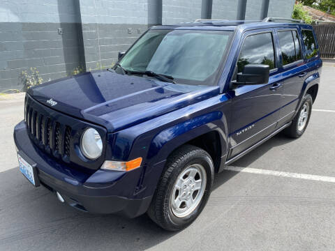 2016 Jeep Patriot for sale at APX Auto Brokers in Lynnwood WA