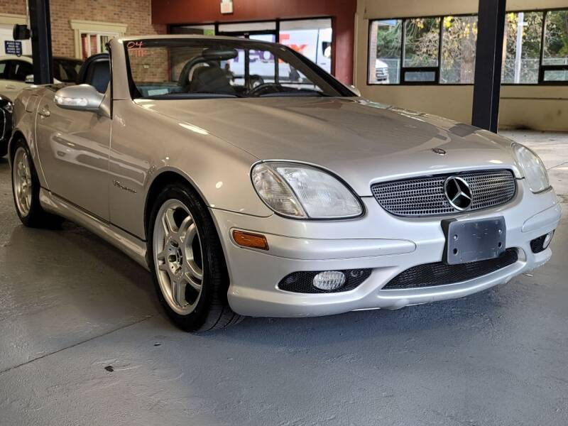 2004 Mercedes-Benz SLK for sale at AW Auto & Truck Wholesalers  Inc. in Hasbrouck Heights NJ