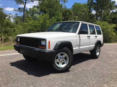 2000 Jeep Cherokee for sale at VICTORY LANE AUTO SALES in Port Richey FL