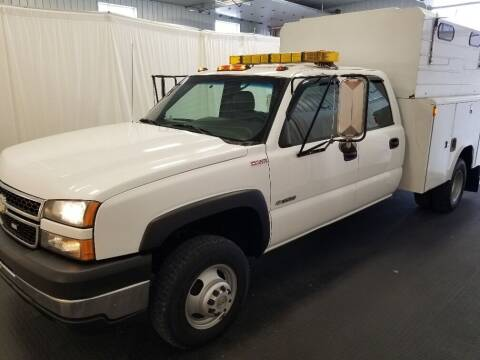 2006 Chevrolet Silverado 3500 for sale at Rick's R & R Wholesale, LLC in Lancaster OH