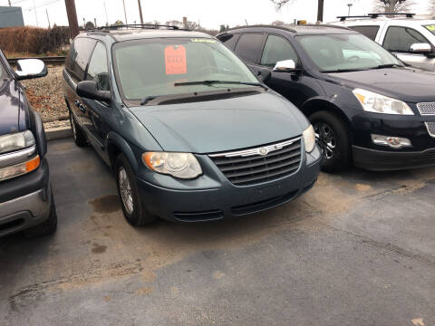 2006 Chrysler Town and Country for sale at American Auto Group LLC in Saginaw MI