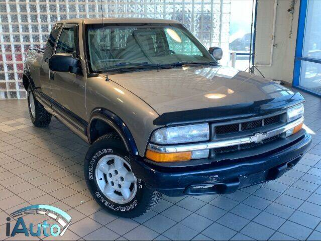 2000 Chevrolet S-10 for sale at iAuto in Cincinnati OH