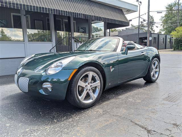2006 Pontiac Solstice for sale at GAHANNA AUTO SALES in Gahanna OH
