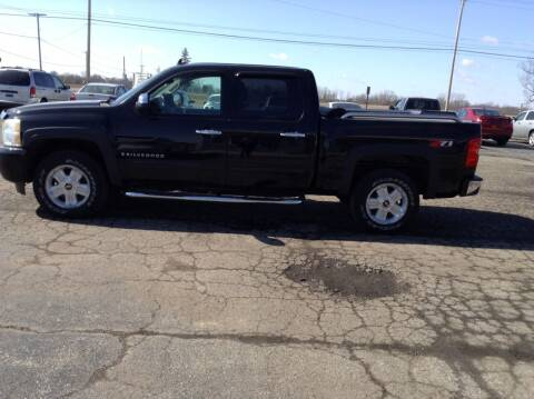 2009 Chevrolet Silverado 1500 for sale at Kevin's Motor Sales in Montpelier OH