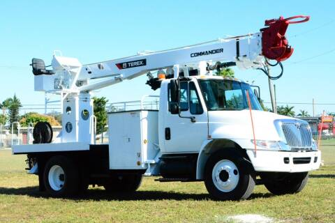2004 International DuraStar 4300 for sale at American Trucks and Equipment in Hollywood FL