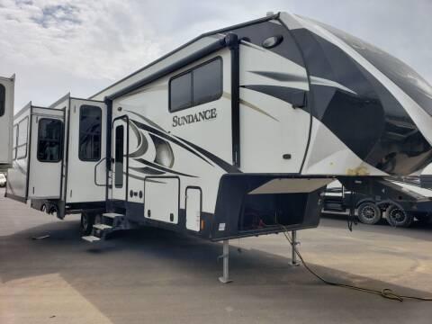 2017 Heartland Sundance 3200MVP for sale at Ultimate RV in White Settlement TX