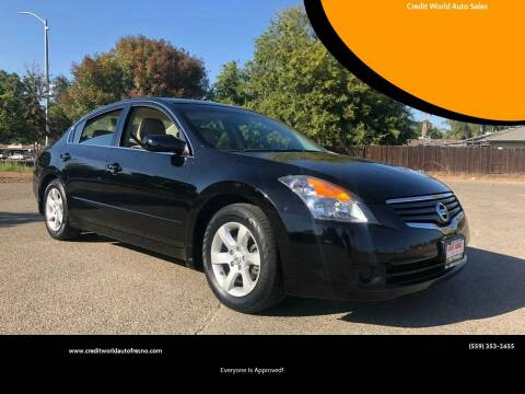 2009 Nissan Altima for sale at Credit World Auto Sales in Fresno CA