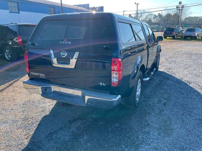 2011 Nissan Frontier for sale at LAURINBURG AUTO SALES in Laurinburg NC