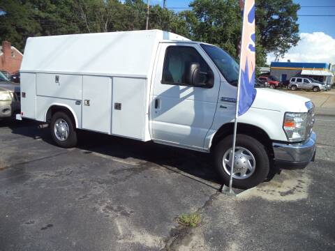 2013 Ford E-Series Chassis for sale at H and H Truck Center in Newport News VA