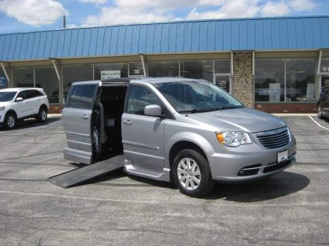 2015 Chrysler Town and Country for sale at McCrocklin Mobility in Middletown IN