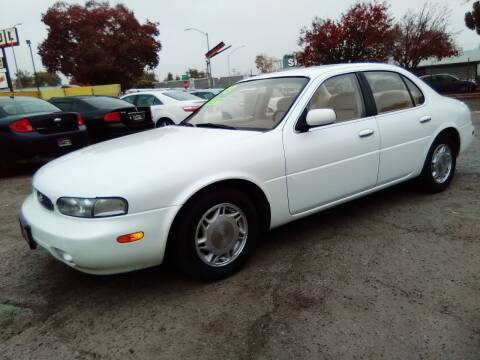 1993 Infiniti J30 for sale at Larry's Auto Sales Inc. in Fresno CA