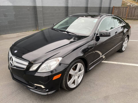 2011 Mercedes-Benz E-Class for sale at APX Auto Brokers in Lynnwood WA
