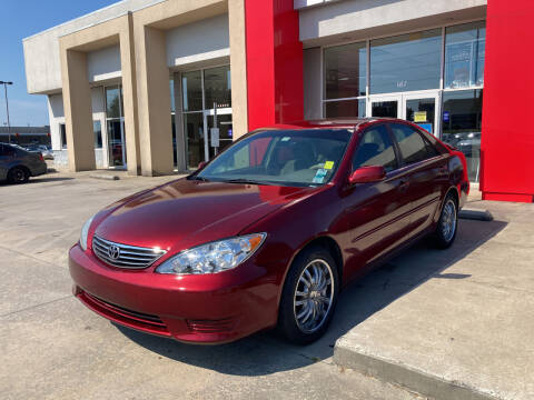 2005 Toyota Camry for sale at Thumbs Up Motors in Warner Robins GA
