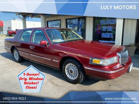 1997 Lincoln Town Car for sale at Luly Motors in Lincoln NE