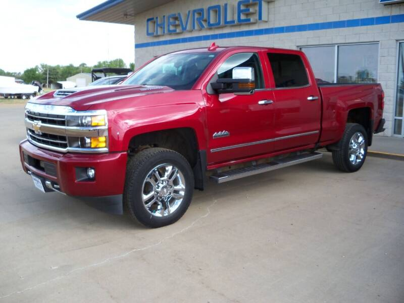 2019 Chevrolet Silverado 2500HD for sale at Tyndall Motors in Tyndall SD