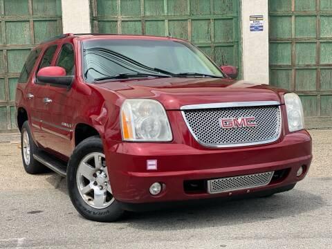 2008 GMC Yukon for sale at Illinois Auto Sales in Paterson NJ