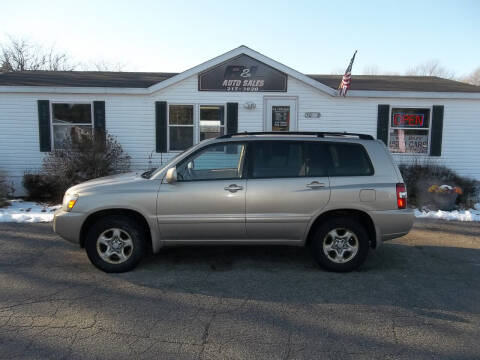 2004 Toyota Highlander for sale at R & L AUTO SALES in Mattawan MI