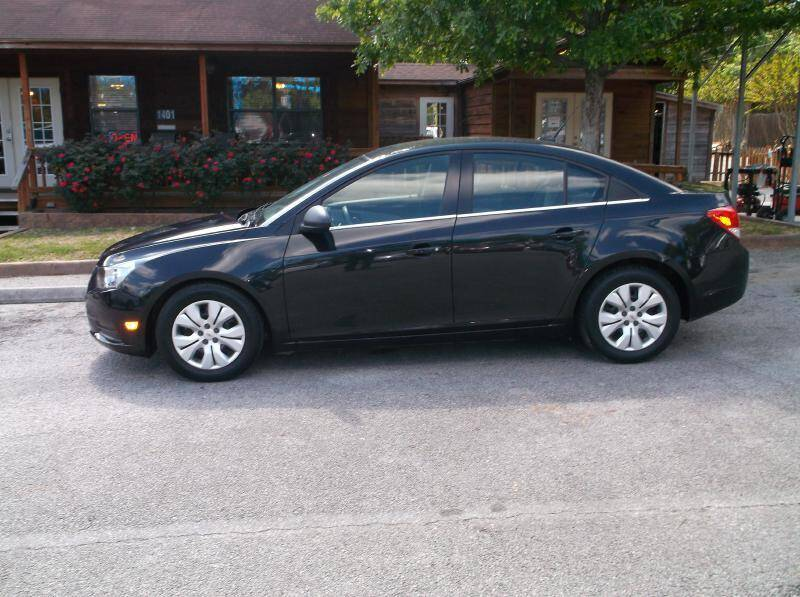 2012 Chevrolet Cruze for sale at Victory Motor Company in Conroe TX