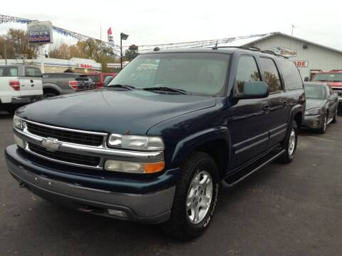 2005 Chevrolet Suburban for sale at Steves Auto Sales in Cambridge MN