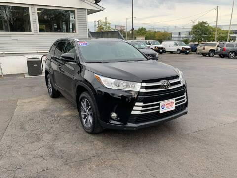 2017 Toyota Highlander for sale at 355 North Auto in Lombard IL