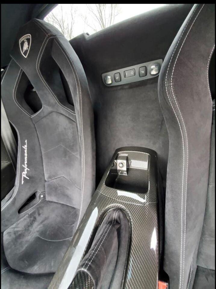 2012 Lamborghini Gallardo 16