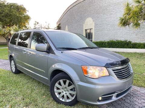 2014 Chrysler Town and Country for sale at Citywide Auto Group LLC in Pompano Beach FL