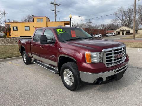 2009 GMC Sierra 2500HD for sale at Midwest Motors 215 Inc. in Bonner Springs KS
