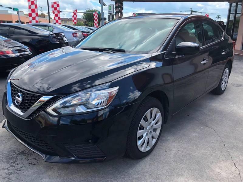 2017 Nissan Sentra for sale at Global Motors in Hialeah FL