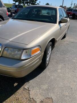 2000 Ford Crown Victoria for sale at BRYANT AUTO SALES in Bryant AR