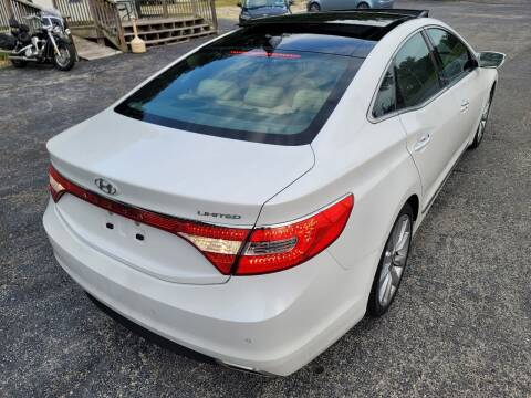 2017 Hyundai Azera for sale at BHT Motors LLC in Imperial MO