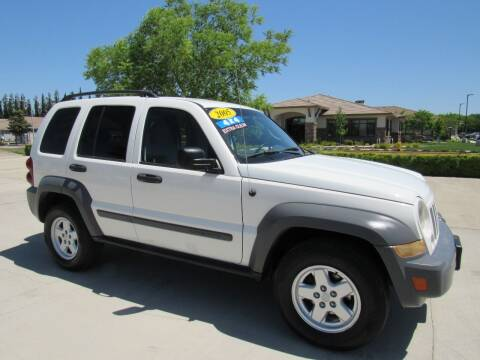 2005 Jeep Liberty for sale at 2Win Auto Sales Inc in Oakdale CA