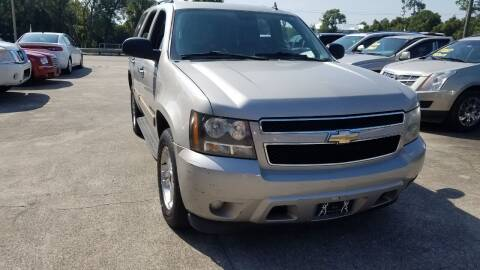 2009 Chevrolet Tahoe for sale at FAMILY AUTO BROKERS in Longwood FL